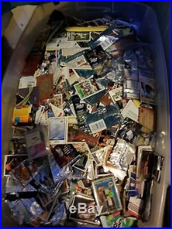 Huge lot of sports trading cards, few Comic cards